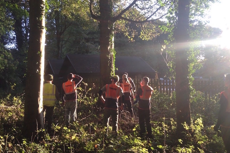 The team assemble in the sun at Culzean Castle ready for the build