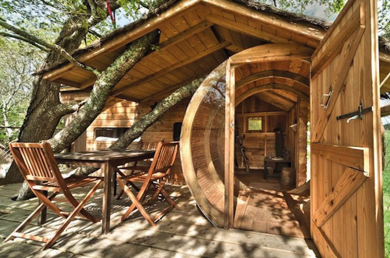 Treehouse Accommodation exterior seat deck
