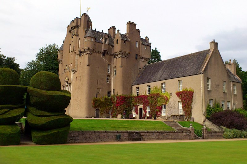 Crathes Castle from garden lead image