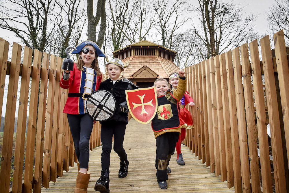 Kids enjoying the The Sky Maze at Fort Douglas Dalkeith Country Park by CAP.Co