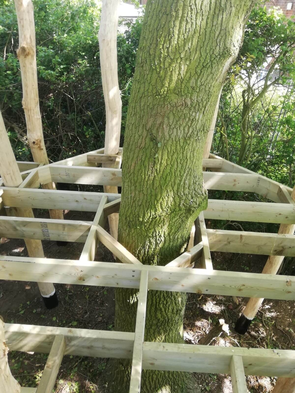 Mundesley School Secret Treehouse adventure play construction 3