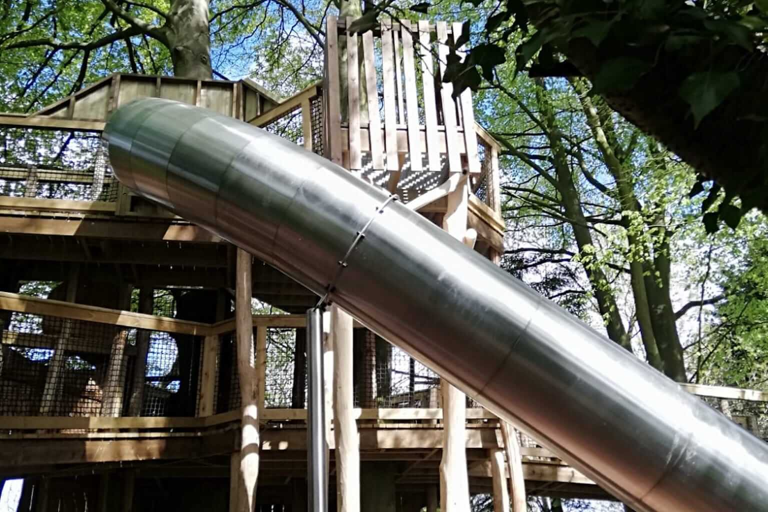 The side of the slide at Fritton lakes fritz Pike Play lead image