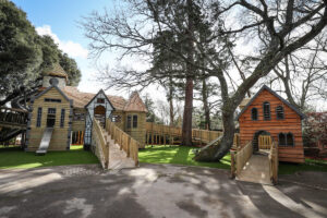 The two leading walkways at Little Beaulieu